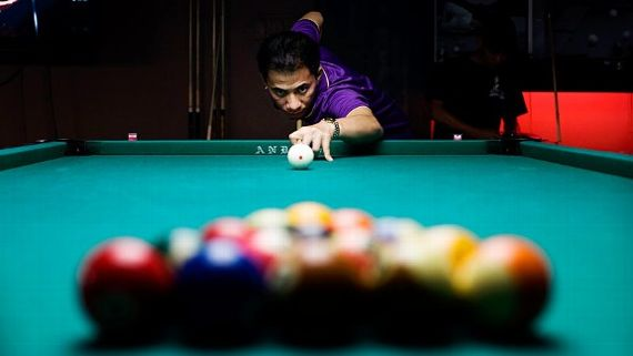 Boxer Manny Pacquiao once backed Dennis Orcollo, who began 2012 as the world's top-ranked pool player and is considered the best money player in the world.